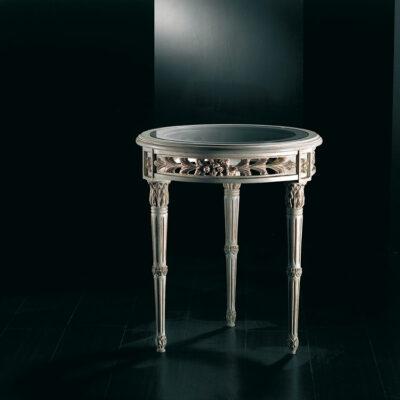 tavolini in legno intagliato